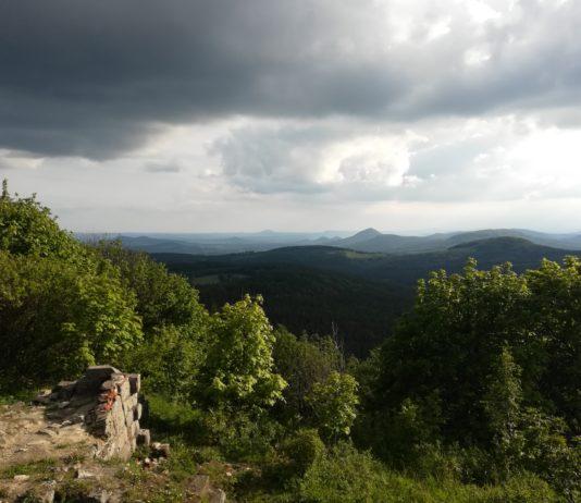 Výhled na Lužické hory z Luže