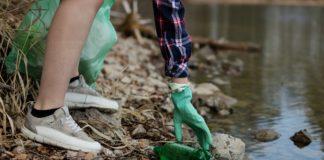 Úklid PET lahve v přírodě